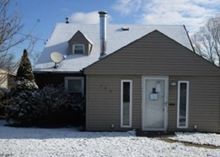 Foreclosed Home en CENTRAL AVE, North Versailles, PA - 15137