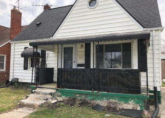 Foreclosed Home en W KALAMA AVE, Madison Heights, MI - 48071