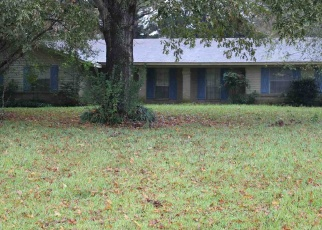 Foreclosed Home in MCALLISTER CIR, Vicksburg, MS - 39183