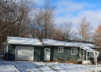 Foreclosed Home in JOLIET AVE, Houghton Lake, MI - 48629