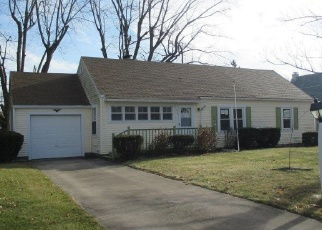 Foreclosed Home in N SUMMITT ST, Kendallville, IN - 46755