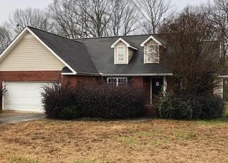 Foreclosed Home en LARKSPUR DR SW, Calhoun, GA - 30701