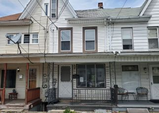 Foreclosed Home en W PINE ST, Coal Township, PA - 17866