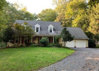 Foreclosed Home en PHEASANT RIDGE RD, Fairfax, VA - 22030