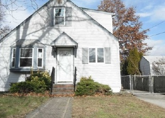 Foreclosed Home en WILLIAM ST, West Hempstead, NY - 11552