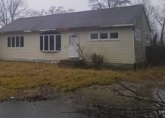 Casa en ejecución hipotecaria in Shirley, NY, 11967,  WAVERLY RD ID: F4345734