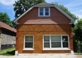 Casa en ejecución hipotecaria in Chicago, IL, 60617,  S COLFAX AVE ID: F4345829