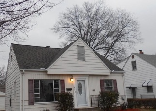 Foreclosed Home en E 329TH ST, Eastlake, OH - 44095