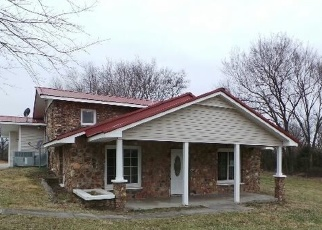 Foreclosed Home en GATEWAY DR, Neosho, MO - 64850