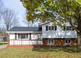 Foreclosed Home en POPLAR DR, Willoughby, OH - 44094