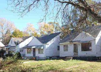 Foreclosed Home en BURT RD, Detroit, MI - 48228