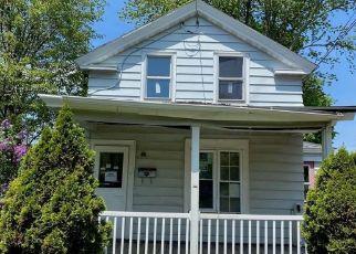 Foreclosed Home en E CAYUGA ST, Oswego, NY - 13126