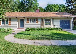 Casa en ejecución hipotecaria in Wayzata, MN, 55391,  DUNWOODY AVE ID: F4350831