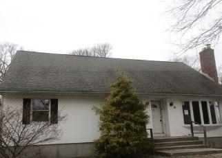 Foreclosed Home en MARIAN DR, Ronkonkoma, NY - 11779