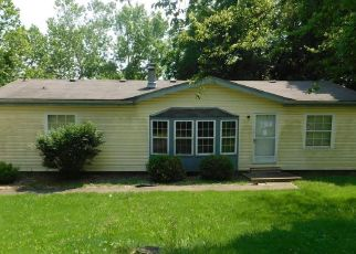 Foreclosed Home en MOUNTAIN ASH DR, Pevely, MO - 63070