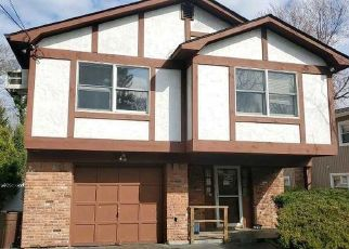 Foreclosed Home in BENNETT AVE, Huntington Station, NY - 11746