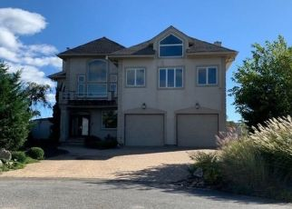 Foreclosed Home en WATERS EDGE CT, Babylon, NY - 11702