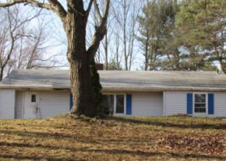 Foreclosed Home en THORPE AVE, Wallingford, CT - 06492