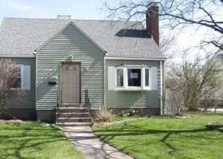 Foreclosed Home in MIDDLE TPKE W, Manchester, CT - 06040