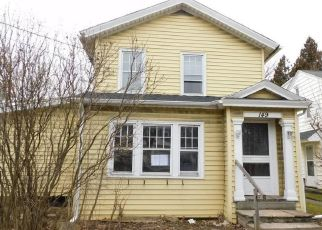 Foreclosed Home en S TRANSIT ST, Lockport, NY - 14094