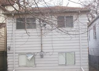 Casa en ejecución hipotecaria in Chicago, IL, 60617,  S MARQUETTE AVE ID: F4354832