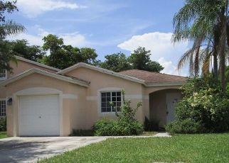 Foreclosed Home en SW 12TH ST, Deerfield Beach, FL - 33442