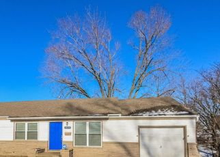 Foreclosed Home en NE 54TH TER, Kansas City, MO - 64119
