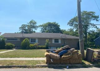 Foreclosed Home en JAYNE AVE, Patchogue, NY - 11772
