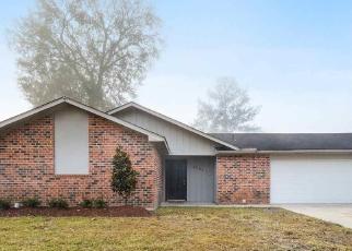 Foreclosure Home in Denham Springs, LA, 70726,  SHADOW BROOK AVE ID: F4361280