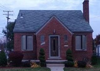 Casa en ejecución hipotecaria in Eastpointe, MI, 48021,  UNIVERSAL AVE ID: F4363067