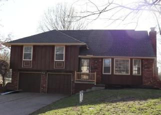 Casa en ejecución hipotecaria in Lees Summit, MO, 64063,  NE SHARON DR ID: F4363592