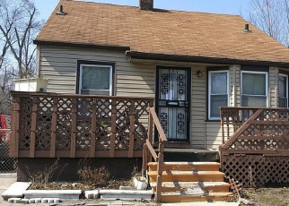 Foreclosed Home en DANBURY ST, Highland Park, MI - 48203