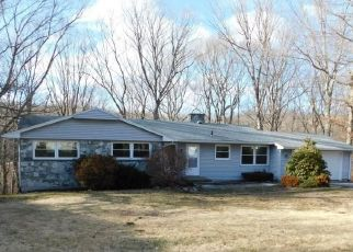 Foreclosed Home en DELLWOOD RD, Norwich, CT - 06360