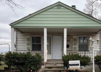 Foreclosed Home en CLARANN ST, Melvindale, MI - 48122