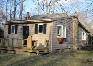 Foreclosed Home en DOGWOOD LN, Guilford, CT - 06437