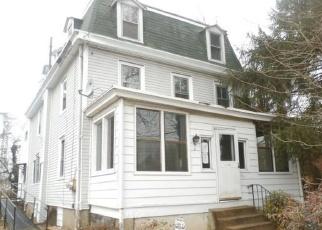 Casa en ejecución hipotecaria in Morton, PA, 19070,  YALE AVE ID: F4372387