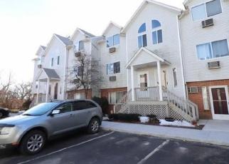 Casa en ejecución hipotecaria in Waterbury, CT, 06708,  ORONOKE RD ID: F4373160