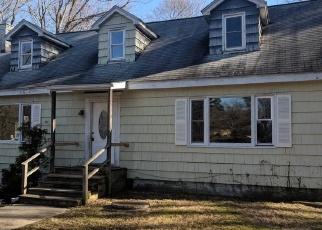Foreclosed Home en ARROWHEAD RD, Hopewell Junction, NY - 12533