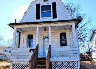 Foreclosed Home en THOLOZAN AVE, Saint Louis, MO - 63109