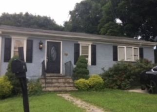 Foreclosed Home en CONNOR ST, Norristown, PA - 19401