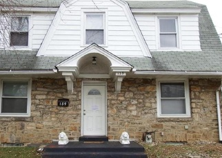 Foreclosed Home en E PLUMSTEAD AVE, Lansdowne, PA - 19050