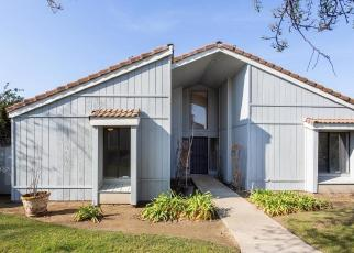 Foreclosed Home en COUGAR LN, Clovis, CA - 93611