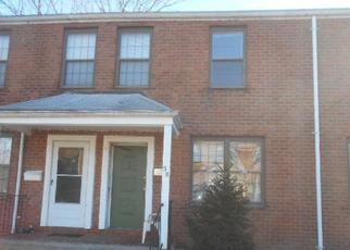 Casa en ejecución hipotecaria in Bridgeport, CT, 06610,  NOB HILL CIR ID: F4375144