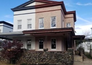 Foreclosed Home en WALNUT AVE, Baltimore, MD - 21229