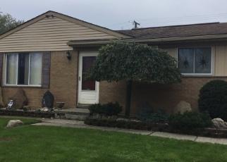 Foreclosed Home en WICK RD, Romulus, MI - 48174