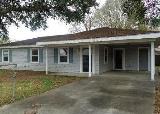 Foreclosed Home in SAN JACINTO CIR, New Iberia, LA - 70563