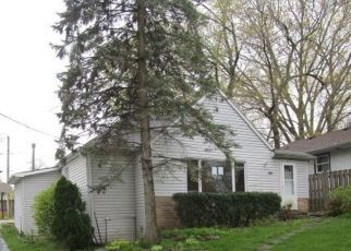 Foreclosed Home en N LAKE SHORE DR, Round Lake, IL - 60073