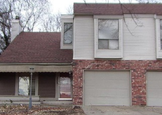 Foreclosed Home in SW 30TH ST, Topeka, KS - 66611