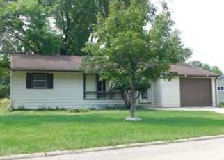 Foreclosed Home in MEADOWBROOK DR, Mason City, IA - 50401