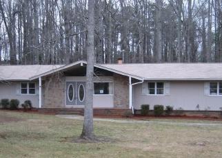 Foreclosed Home en FORREST AVE, Fayetteville, GA - 30214